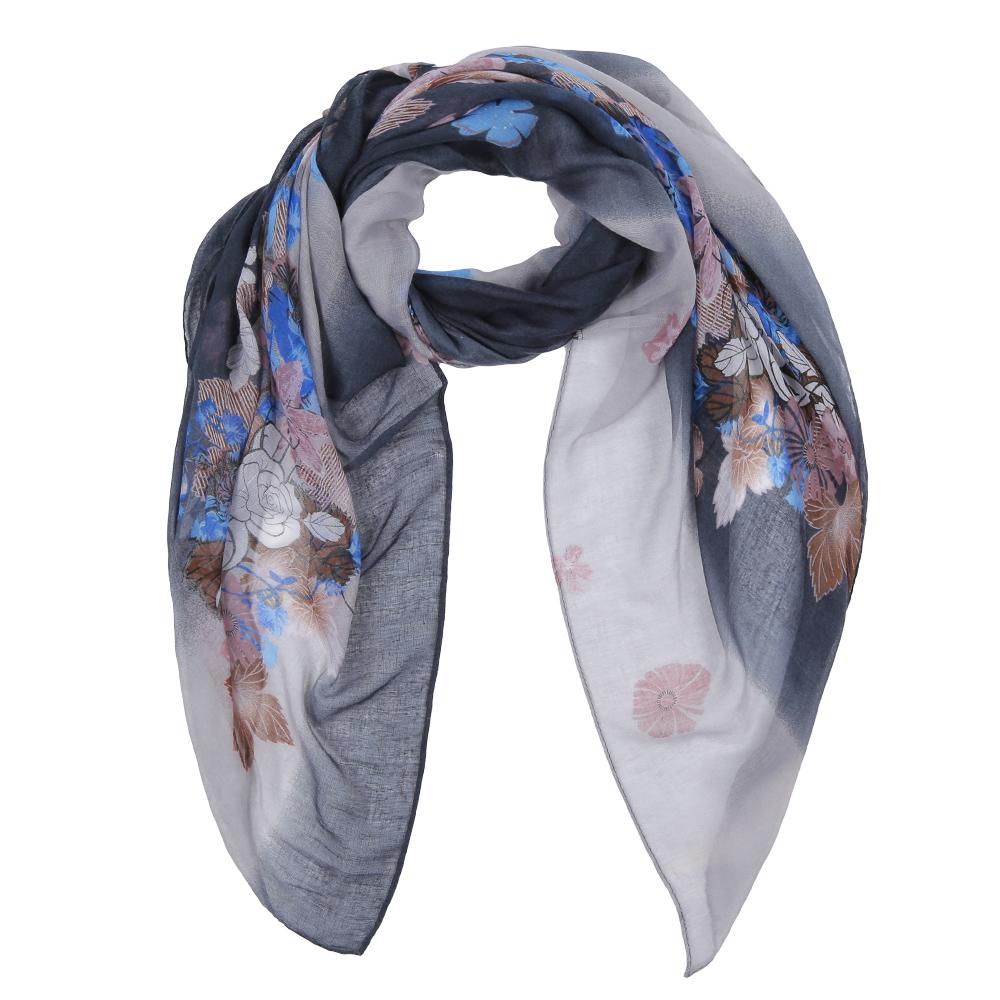 ШарфLeo616-2Элегантный женский шарф от итальянского бренда Fabretti имеет неповторимую мягкость и легкость фактуры. Красочное сочетание цветов позволило дизайнерам создать изысканную модель, которая станет изюминкой любого весеннего образа.