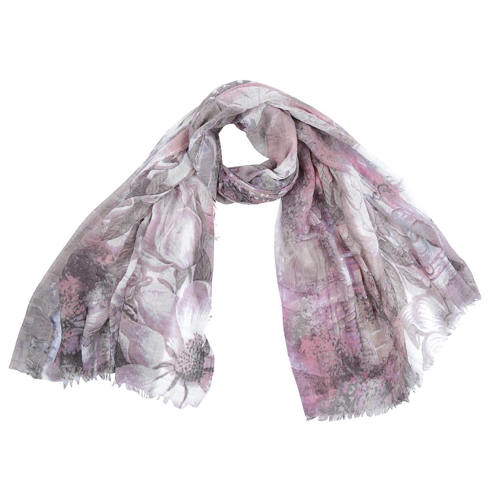 ШарфSR16115-4Элегантный женский шарф от итальянского бренда Fabretti имеет неповторимую мягкость и легкость фактуры. Красочное сочетание цветов позволило дизайнерам создать изысканную модель, которая станет изюминкой любого весеннего образа.