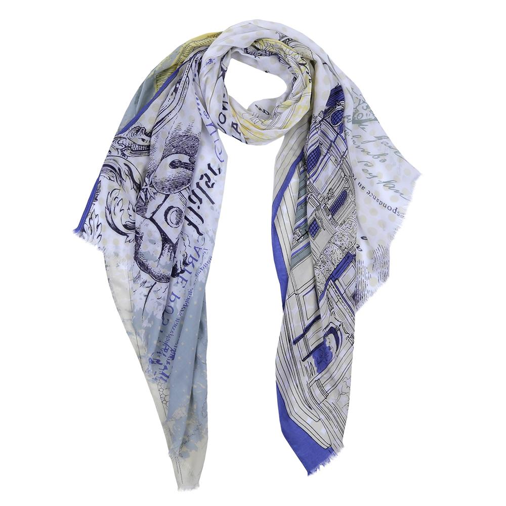 ШарфDS2016-004-13Элегантный женский шарф от итальянского бренда Fabretti имеет неповторимую мягкость и легкость фактуры. Красочное сочетание цветов позволило дизайнерам создать изысканную модель, которая станет изюминкой любого весеннего образа.