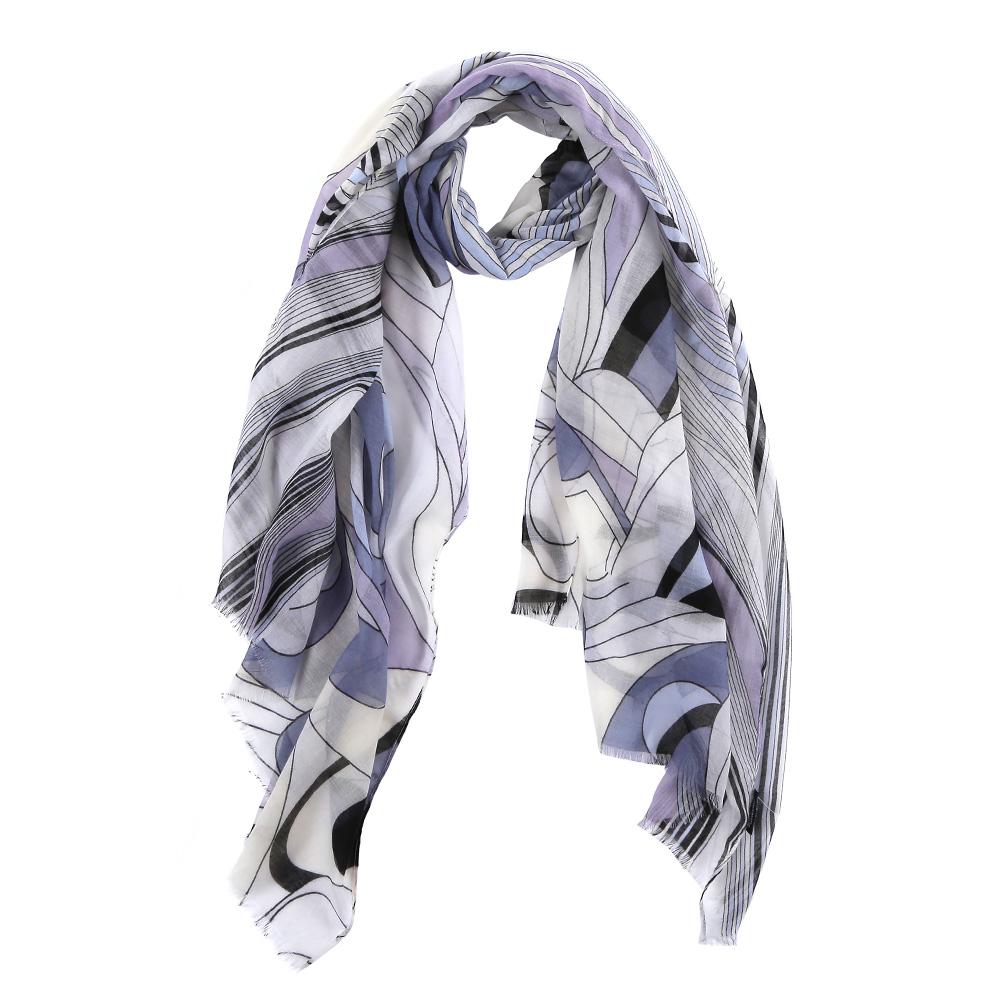 ШарфFR2150-1Элегантный женский шарф от итальянского бренда Fabretti имеет неповторимую мягкость и легкость фактуры. Красочное сочетание цветов позволило дизайнерам создать изысканную модель, которая станет изюминкой любого весеннего образа.