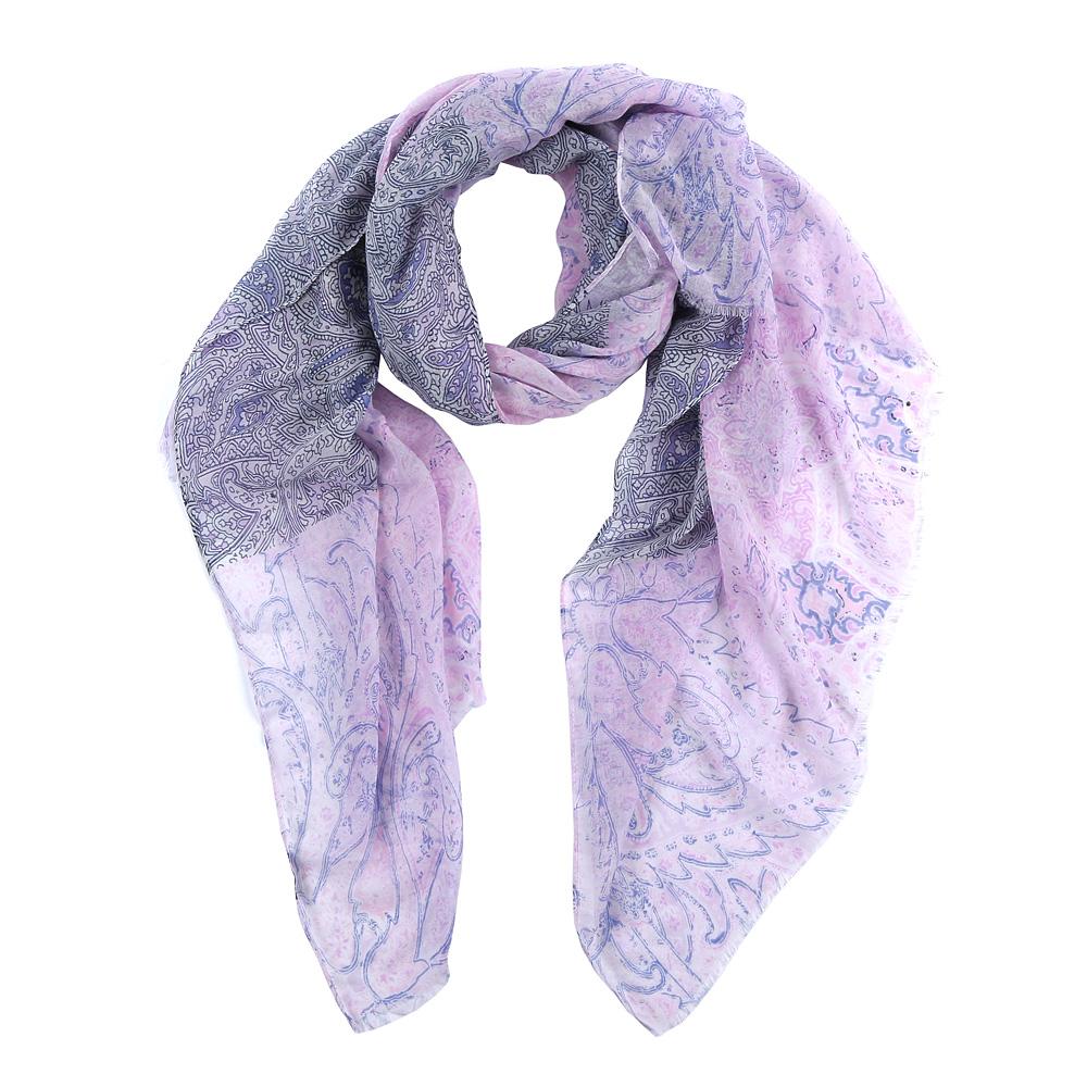 ШарфFR2142-1Элегантный женский шарф от итальянского бренда Fabretti имеет неповторимую мягкость и легкость фактуры. Красочное сочетание цветов позволило дизайнерам создать изысканную модель, которая станет изюминкой любого весеннего образа.