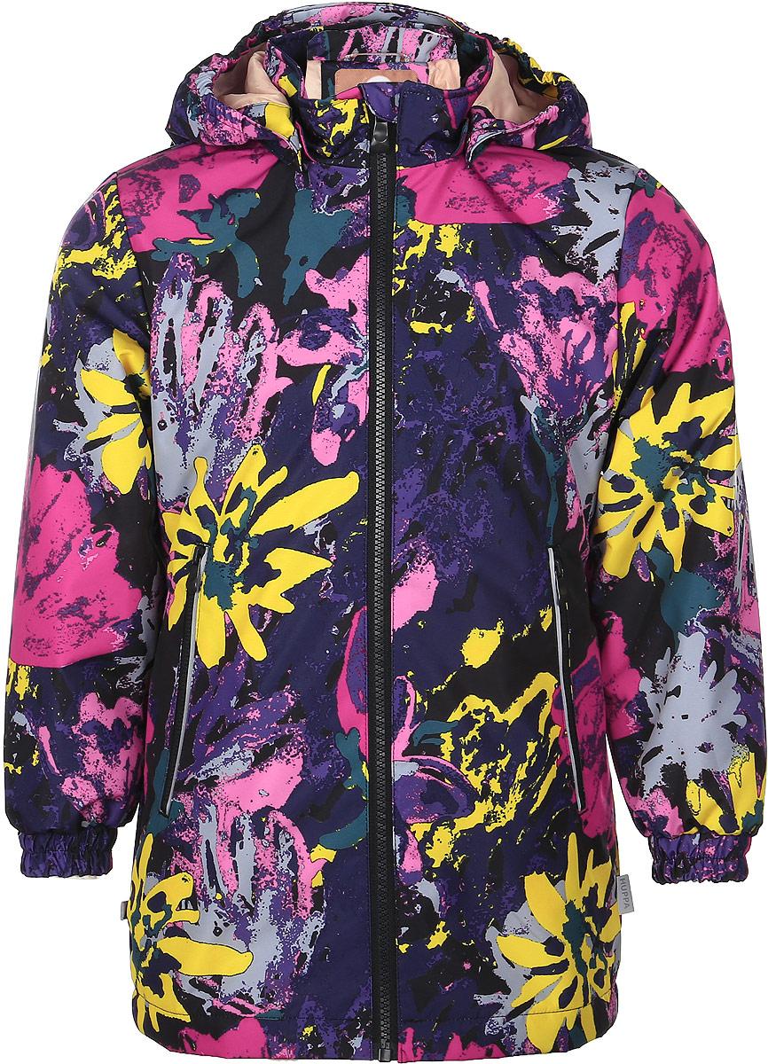 Куртка17880004-71220Детская куртка Huppa June изготовлена из водонепроницаемого полиэстера. Куртка со съемным капюшоном застегивается на пластиковую застежку-молнию с защитой подбородка. Высокотехнологичный лёгкий синтетический утеплитель нового поколения сохраняет объём и высокую теплоизоляцию изделия. Края капюшона и рукавов дополнены резинками. Сзади на талии ткань собрана на внутренние резинки. У модели имеются два врезных кармана на застежках-молниях. Изделие дополнено светоотражающими элементами.