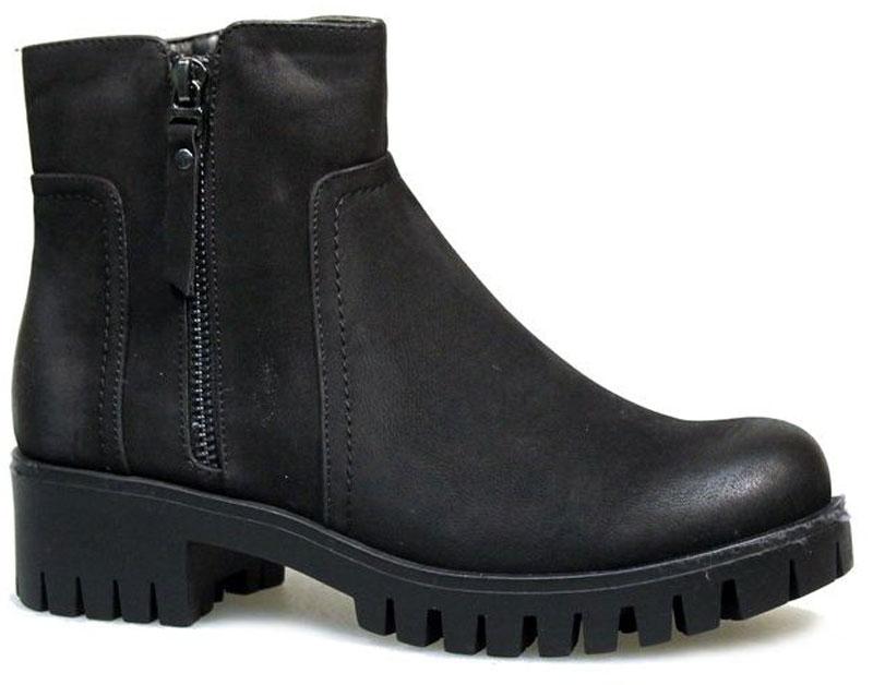 Ботинки2323-W70424BМодные ботинки от Avenir займут достойное место в вашем гардеробе. Модель выполнена из искусственной кожи и декорирована с боку молнией. Ботинки застегиваются на боковую застежку-молнию. Мягкая подкладка и стелька из байки сохраняют тепло, обеспечивая максимальный комфорт при движении. Невысокий каблук устойчив. Рифленая поверхность каблука и подошвы защищает изделие от скольжения. Модные ботинки - незаменимая вещь в гардеробе любой женщины.