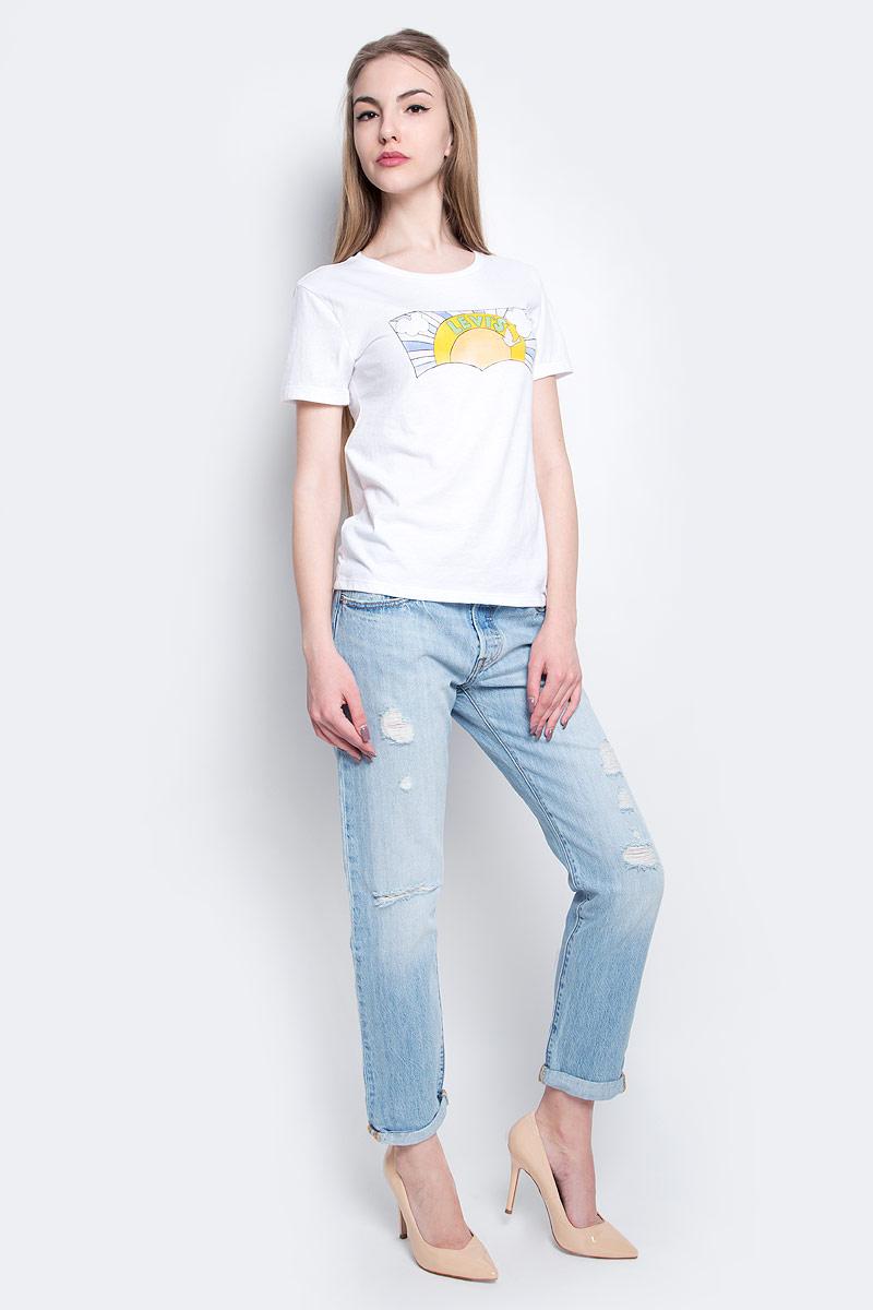Футболка2952600000Женская футболка Levis® выполнена из хлопка с добавлением полиэстера. Модель с круглым вырезом горловины и короткими рукавами оформлена оригинальным принтом.