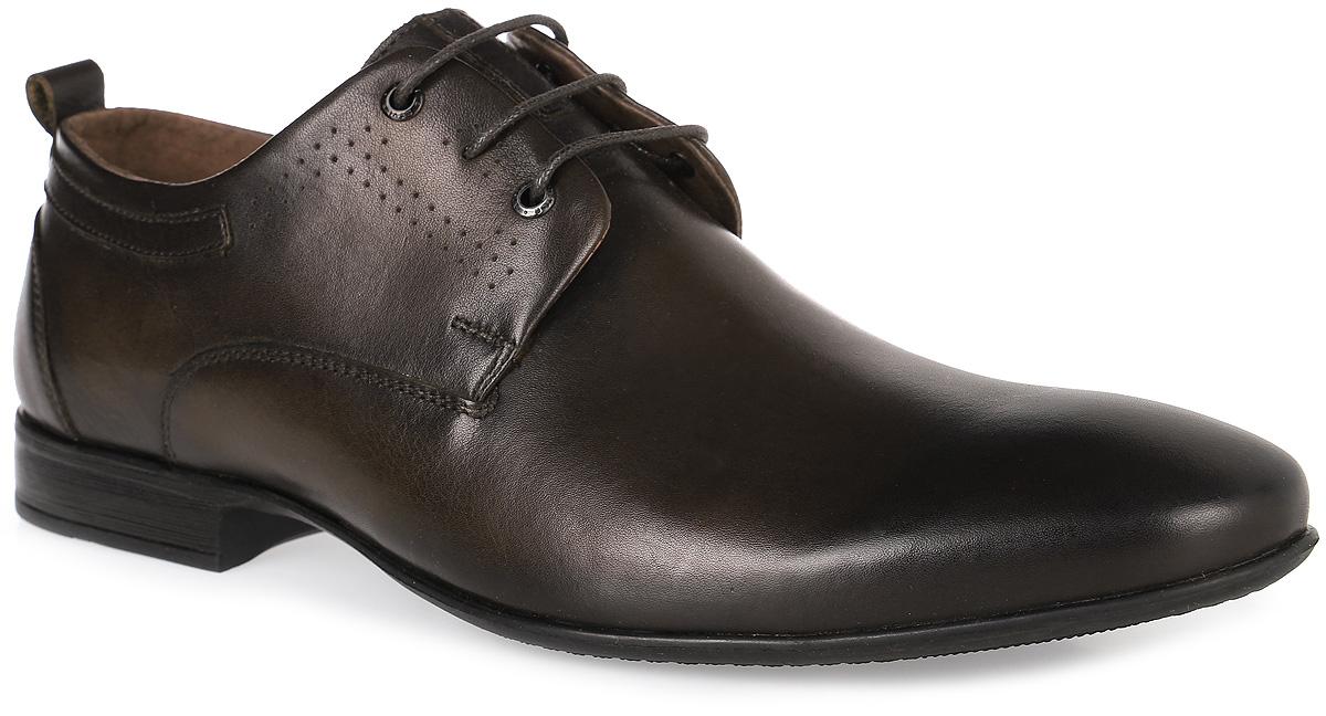Туфли508-01-06Мужские туфли от Carlo Bellini выполнены из натуральной кожи и декорированы несквозной перфорацией. Модель на классической шнуровке. Подкладка и стелька изготовлены из натуральной кожи. Подошва из полимерного материала оснащена рифлением.