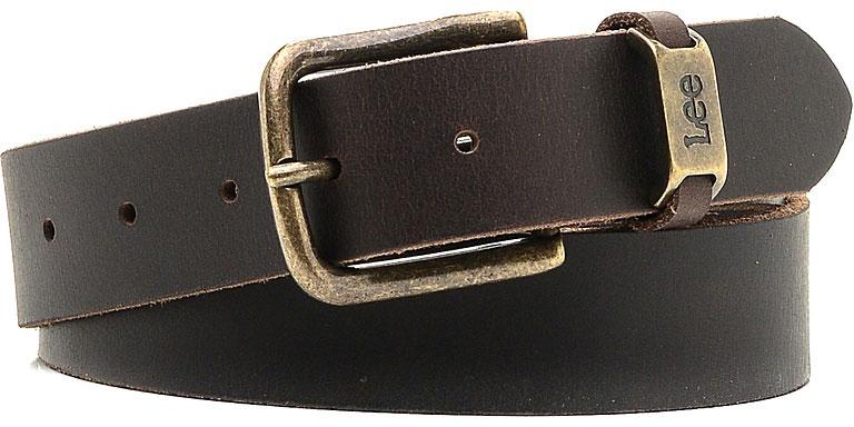 РеменьLC125524Стильный широкий ремень Lee выполнен из натуральной кожи. Пряжка, с помощью которой регулируется длина ремня, выполнена из металла и оформлена гравировкой с названием бренда.