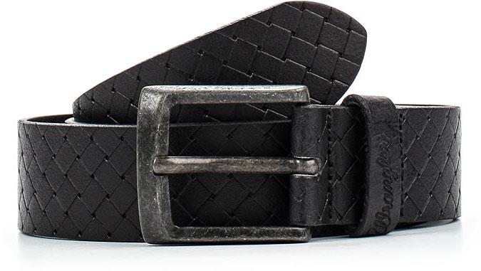 РеменьW0A00US01Стильный широкий ремень Wrangler выполнен из натуральной кожи и оформлен плетением. Пряжка, с помощью которой регулируется длина ремня, выполнена из качественного металла.