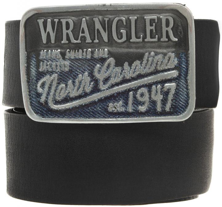 РеменьW0316U101Стильный ремень Wrangler выполнен из натуральной кожи. Металлическая пряжка, с помощью которой регулируется длина ремня, оформлена фирменной гравировкой.