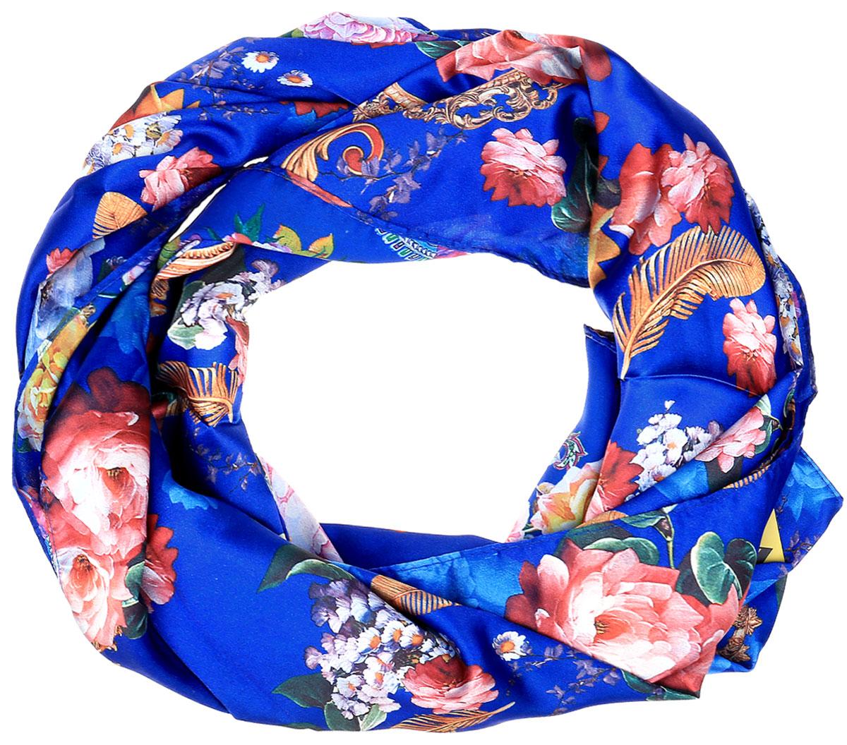 ШарфRo01PC2040-A1Элегантный женский шарфик Vittorio Richi изготовлен из полиэстера и шелка. Шарфик прямоугольной формы оформлен оригинальным цветочным принтом. Края изделия с тонкой подгибкой.