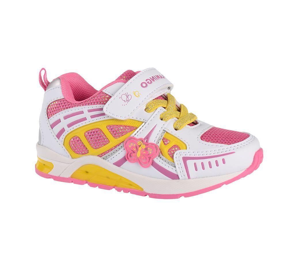 Кроссовки71K-BK-0039Модные кроссовки для девочки от Flamingo, выполненные из текстиля и искусственной кожи, оформлены декоративными нашивками. Подкладка из текстиля не натирает. Стелька из натуральной кожи комфортна при движении. Ремешок с застежкой-липучкой и эластичная шнуровка надежно зафиксируют модель на ноге. Подошва дополнена рифлением.