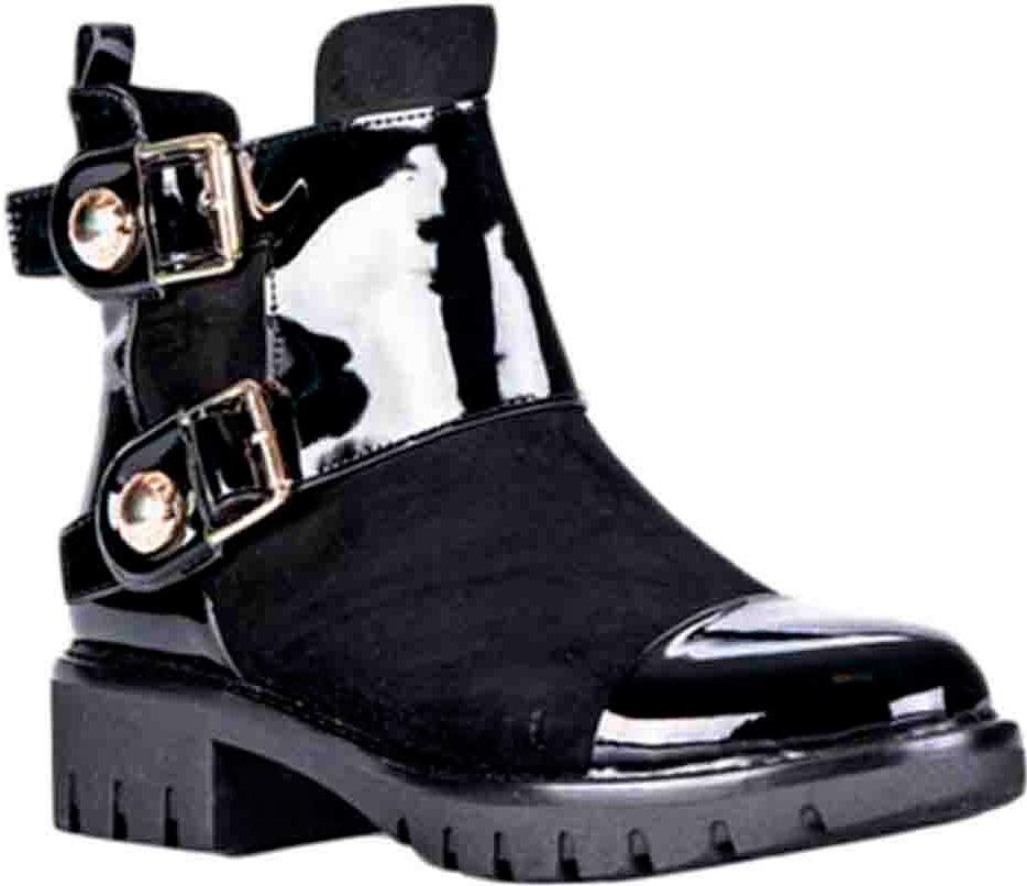 Ботинки83286Удобные женские ботинки от Vitacci изготовлены из качественной искусственной кожи. Ботинки застегиваются на боковую молнию. Практичная стелька из ворсина обеспечит комфорт при носке. Подошва дополнена небольшим каблуком и рифлением.