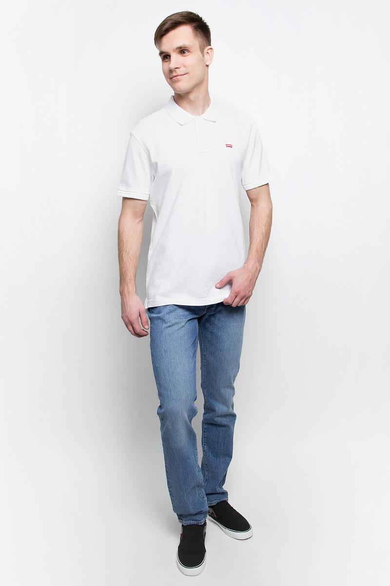 Джинсы0451121700Мужские джинсы Levis® 511 выполнены из высококачественного хлопка с добавлением эластана. Джинсы зауженного кроя и низкой посадки застегиваются на пуговицу в поясе и ширинку на молнии, дополнены шлевками для ремня. Джинсы имеют классический пятикарманный крой: спереди модель дополнена двумя втачными карманами и одним маленьким накладным кармашком, а сзади - двумя накладными карманами.