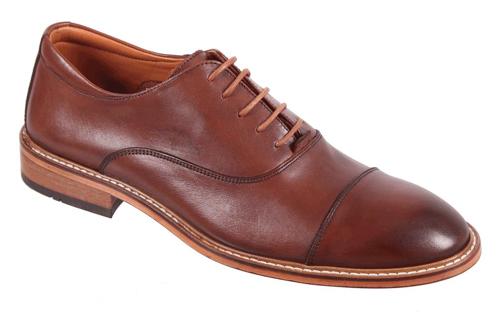 Полуботинки17M 1579/199Стильные мужские полуботинки James Franco, выполненные из натуральной кожи, гарантируют удобство и комфорт вашим ногам. Модель оформлена декоративными швами. Данная модель прекрасно сможет подчеркнуть ваш индивидуальный стиль.
