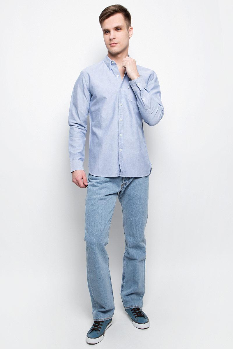 Рубашка6582401800Мужская рубашка Levis® выполнена из натурального хлопка. Рубашка с длинными рукавами и отложным воротником застегивается на пуговицы спереди. Манжеты рукавов также застегиваются на пуговицы. На груди расположен накладной карман.