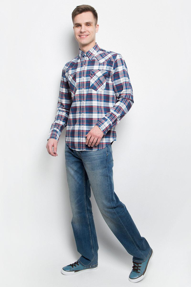 Рубашка6581602170Мужская рубашка Levis® изготовлена из натурального льна с добавлением хлопка. Модель с длинными рукавами имеет на груди два накладных кармана под клапанами на кнопках. Рубашка застегивается на кнопки и пуговицу на воротничке. Манжеты рукавов оснащены застежками-пуговицами. Низ изделия закруглен.