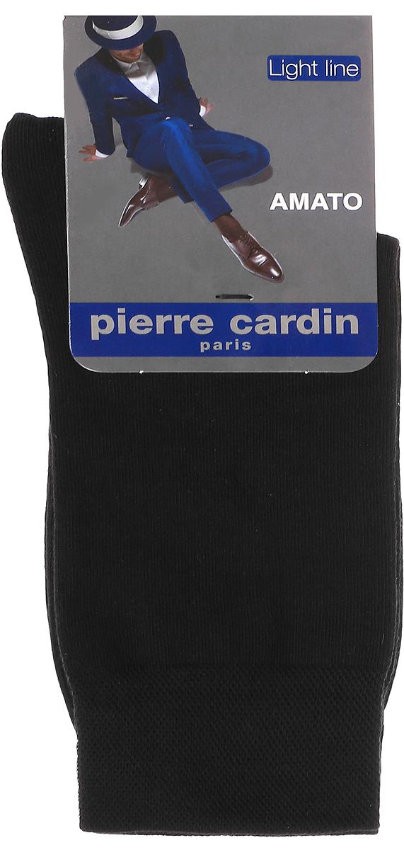 НоскиCr AmatoМужские носки Pierre Cardin Cr Amato изготовлены из высококачественного эластичного хлопка с добавлением полиамида и превосходно облегают ногу. Носки имеют эластичную резинку, которая надежно фиксирует носки на ноге.