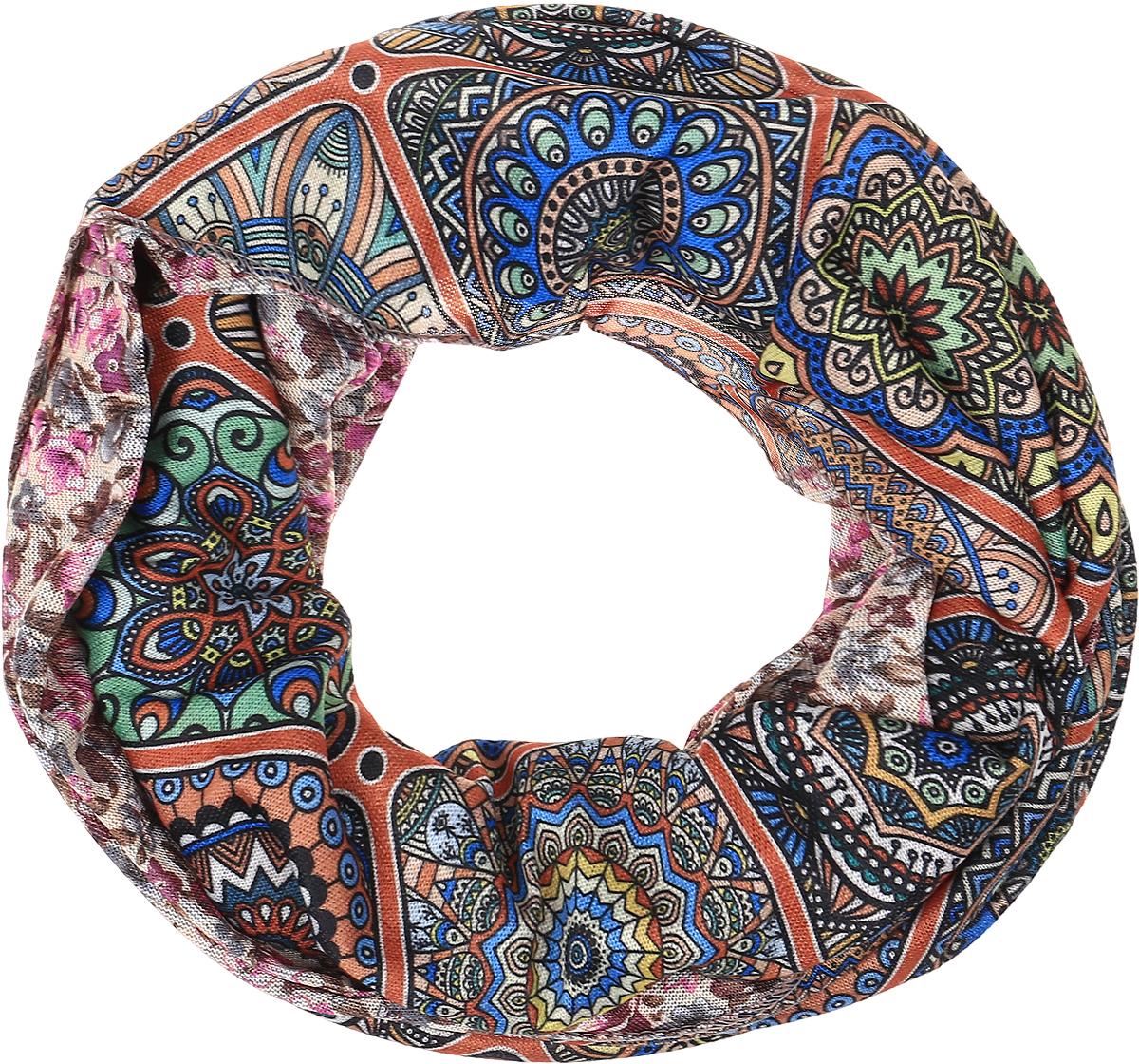 Снуд-хомутRo01R2359-A4059-1Легкий снуд-хомут от Vita Pelle выполнен из двустороннего трикотажного полотна и оформлен узорным принтом. Кромка обработана оверлоком.