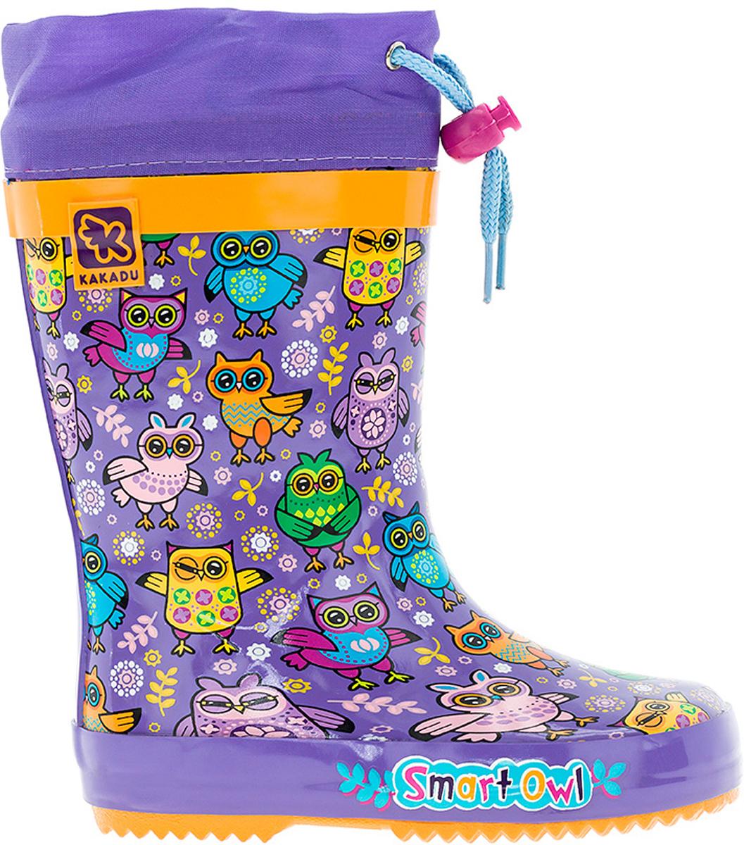 Резиновые сапоги6688BсМодные резиновые сапоги от Kakadu - идеальная обувь в дождливую погоду для вашей девочки. Модель оформлена красочным принтом с изображением сов и дополнена текстильной манжетой на кулиске для регулировки объема голенища. Внутренняя поверхность из хлопка и съемная стелька способствуют поддержанию тепла и комфортны при ходьбе. Подошва с протектором гарантирует отличное сцепление с любой поверхностью. Резиновые сапоги - необходимая вещь в гардеробе каждого ребенка.
