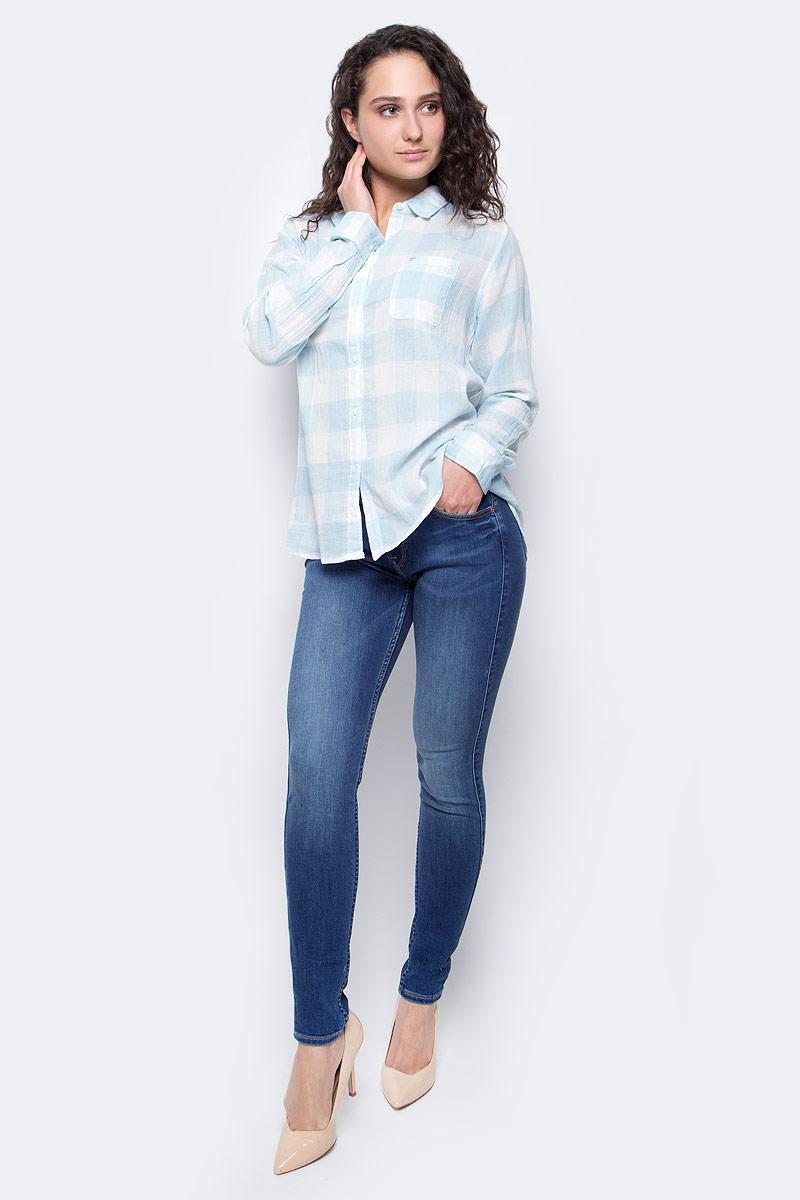 РубашкаL47ISISAЖенская рубашка Lee выполнена из натурального хлопка. Рубашка с длинными рукавами и отложным воротником застегивается на пуговицы спереди. Манжеты рукавов также застегиваются на пуговицы. Рубашка оформлена принтом в клетку. На груди расположен накладной карман.