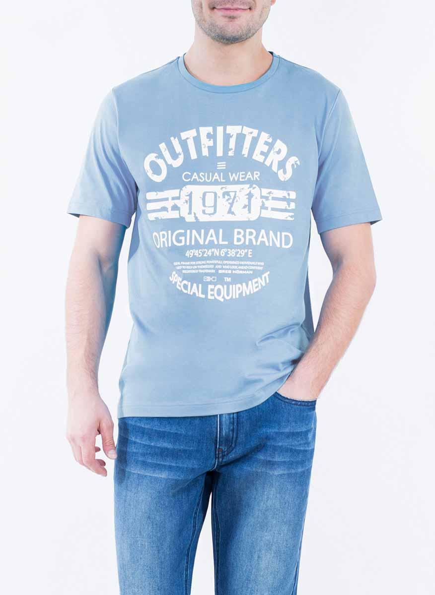 Футболка2-171-20-2317Стильная мужская футболка Greg Horman изготовлена из натурального хлопка. Модель прямого кроя с круглым вырезом горловины и короткими рукавами спереди оформлена оригинальным принтом.