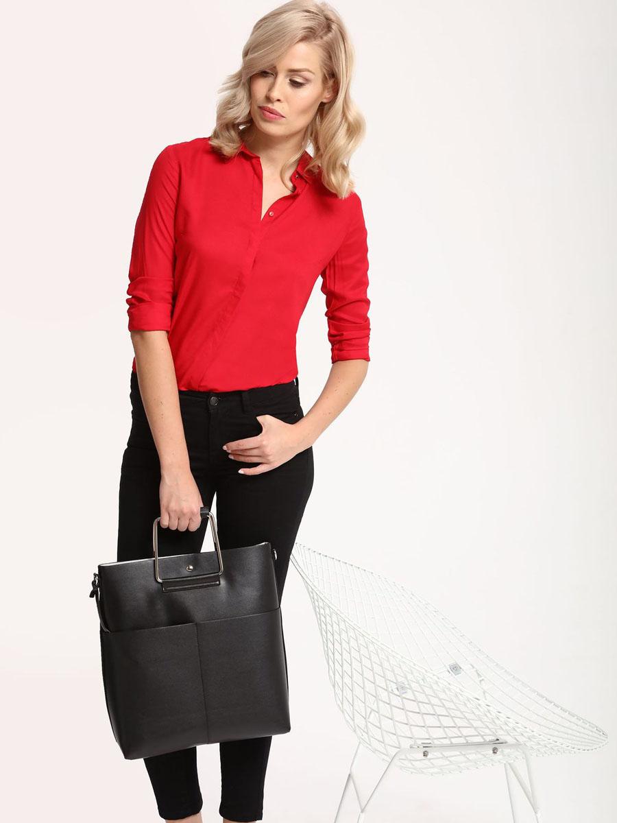 РубашкаSKL2221CEРубашка женская Top Secret выполнена из 100% вискозы. Модель с отложным воротником застегивается на пуговицы.