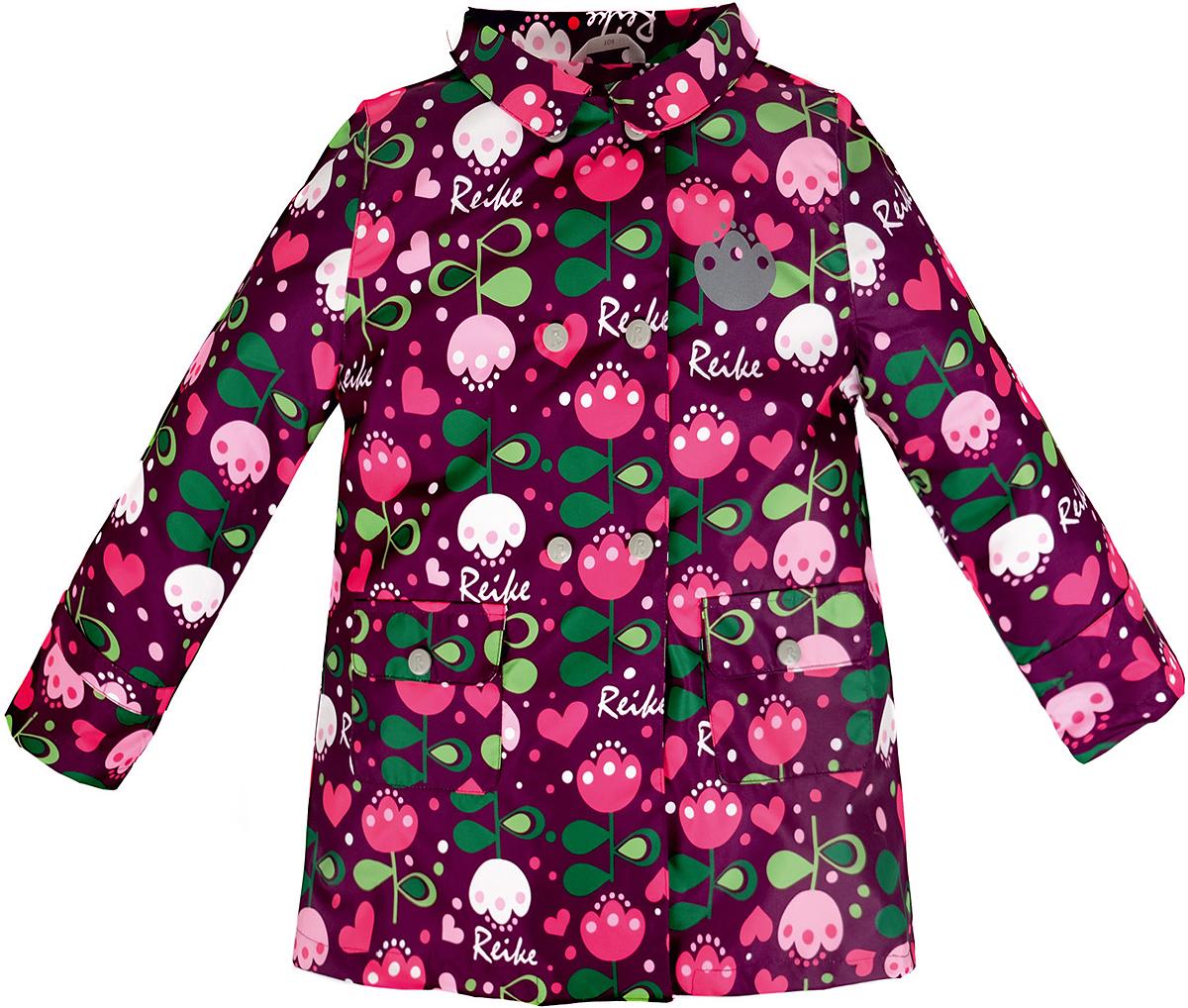 Куртка36 939 335_Tulip violetСтильная куртка для девочки Reike Тюльпан выполнена из ветрозащитного, водоотталкивающего и дышащего материала с подкладкой из микрофлиса, обеспечивающей дополнительный комфорт. Расклешенная модель в ретро-стиле выполнена с имитацией двубортной застежки на кнопках и дополнена двумя накладными карманами с клапанами. В виде интересного акцента выступают отложной воротник, ремешки на рукавах и складка на спинке. Изделие оснащено светоотражающим элементом и оформлено ярким цветочным принтом в стиле серии. Особенности изделия: - базовый уровень; - коэффициент воздухопроницаемости: 2000гр/м2/24 ч; - водоотталкивающее покрытие: 2000 мм.