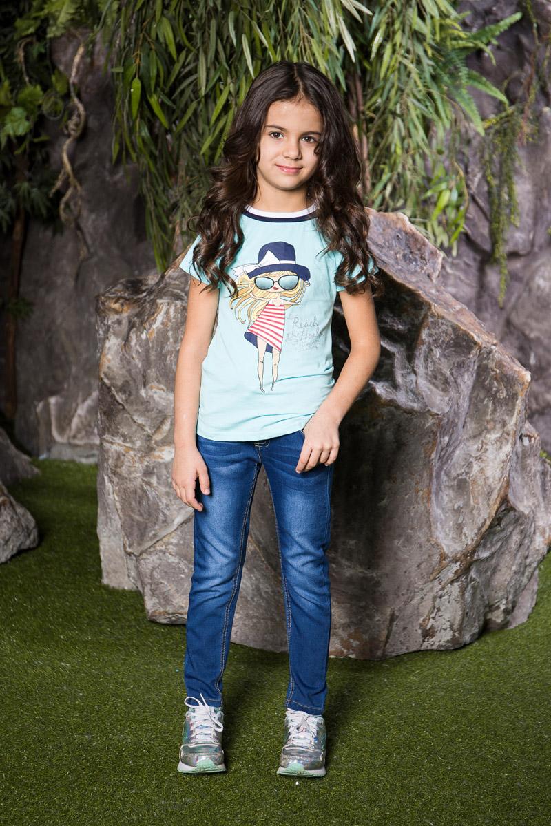Джинсы714225Стильные джинсы для девочки Sweet Berry выполнены из эластичного хлопка с эффектом потертости. Джинсы зауженного кроя и стандартной посадки на талии имеют широкий пояс на резинке. Модель представляет собой классическую пятикарманку: два втачных и один маленький прорезной кармашек спереди и два накладных кармана сзади. На поясе имеются шлевки для ремня. В комплект с джинсами входит плетеный ремень.