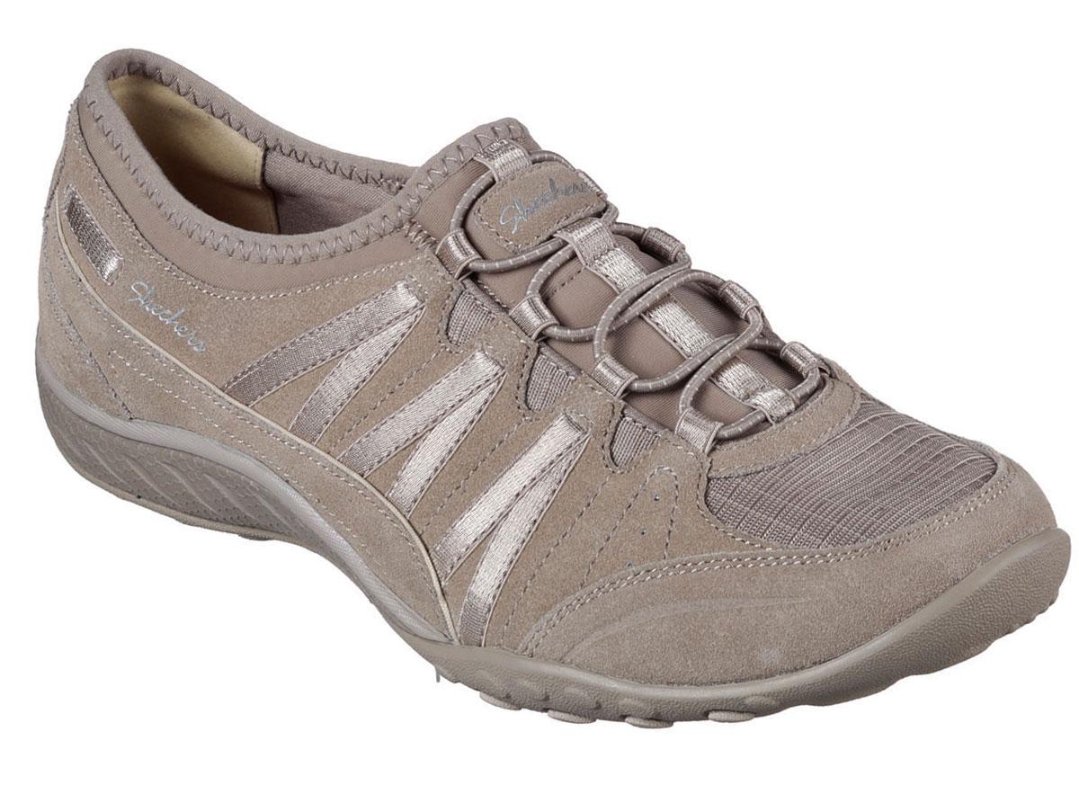 Кроссовки23020-BLKСтильные легкие женские кроссовки Skechers подходят как для занятий спортом, так и для повседневных прогулок. Верх модели выполнен из дышащего текстиля и натуральной кожи. Шнуровка надежно зафиксирует модель на стопе. Внутренняя отделка исполнена из мягкого текстиля. Гибкая анатомическая подошва имеет рельефный протектор, который обеспечивает надежное сцепление с поверхностью. В таких кроссовках вашим ногам будет комфортно и уютно. Они подчеркнут ваш стиль и индивидуальность!