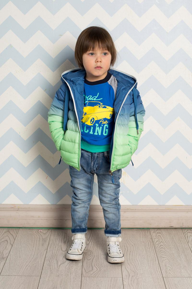 Куртка711001Стильная стеганая куртка для мальчика Sweet Berry, изготовленная из качественного материала градиентного цвета, станет отличным дополнением к гардеробу вашего ребенка. Утепленная модель с капюшоном, дополнительно регулируемым шнурком, застегивается на молнию и дополнена двумя прорезными карманами на молниях. Манжеты рукавов и низ изделия дополнены мягкими резинками. Комфортная температура эксплуатации: от 0 до+10°С.