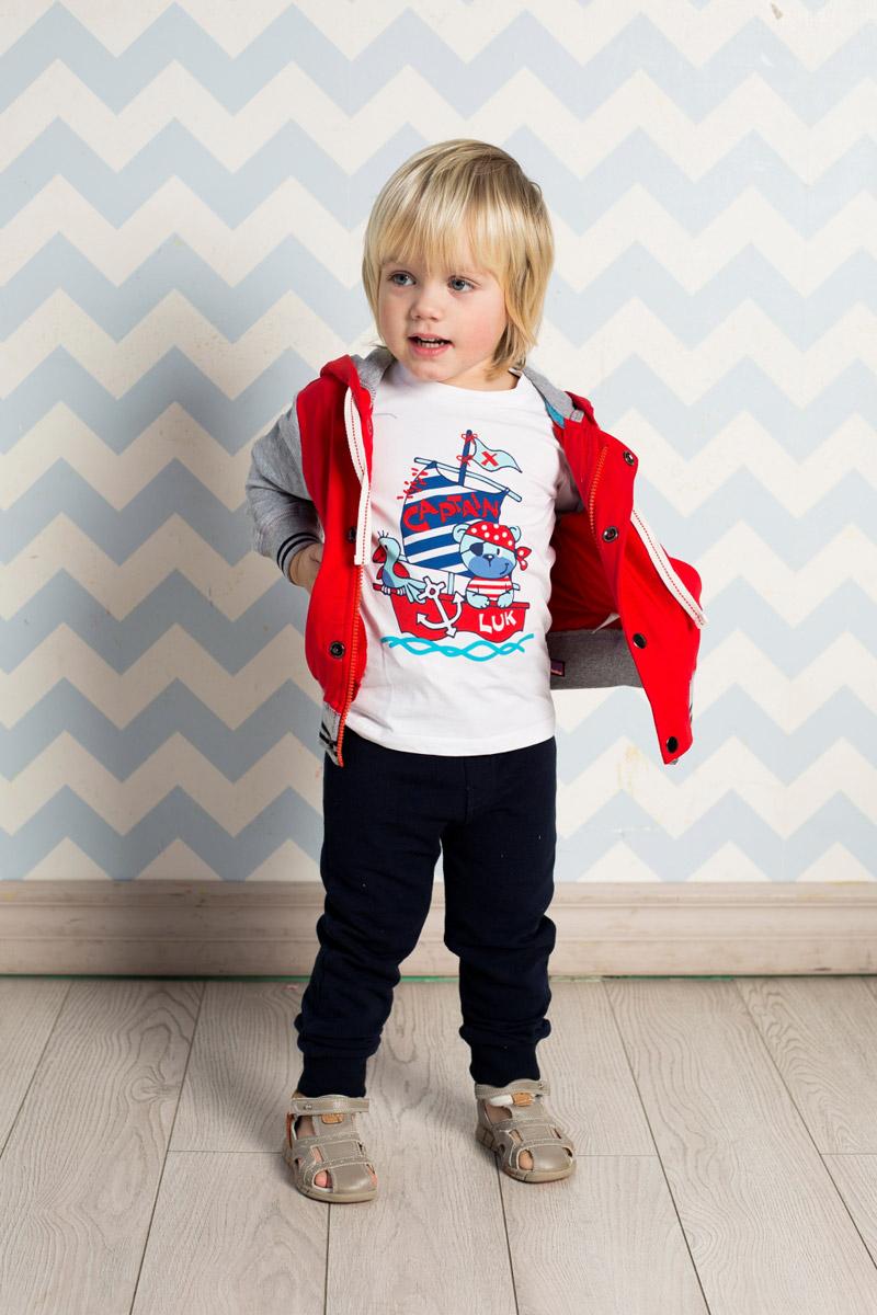 Толстовка711063Стильная толстовка для мальчика Sweet Berry, изготовленная из качественного эластичного хлопка двух контрастных цветов, станет отличным дополнением к гардеробу вашего ребенка. Модель с капюшоном, дополнительно регулируемым шнурком, застегивается на молнию и на планку с кнопками. Полочку украшает яркая вышивка. Манжеты рукавов и низ изделия дополнены мягкими трикотажными резинками с контрастными полосками.