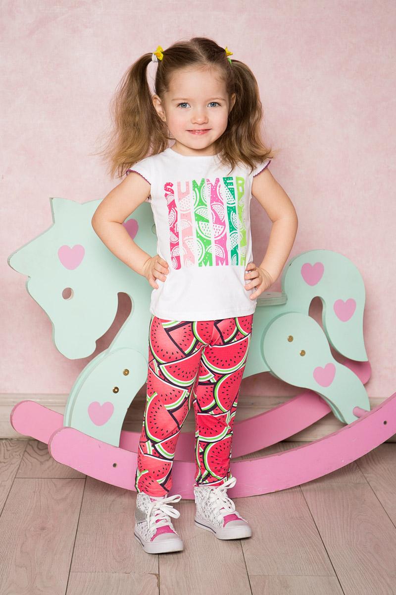 Футболка712089Белая футболка для девочки Sweet Berry выполнена из качественного эластичного хлопка. Модель с круглым вырезом горловины и короткими рукавами-крылышками оформлена оригинальным принтом. Воротник дополнен мягкой эластичной бейкой.