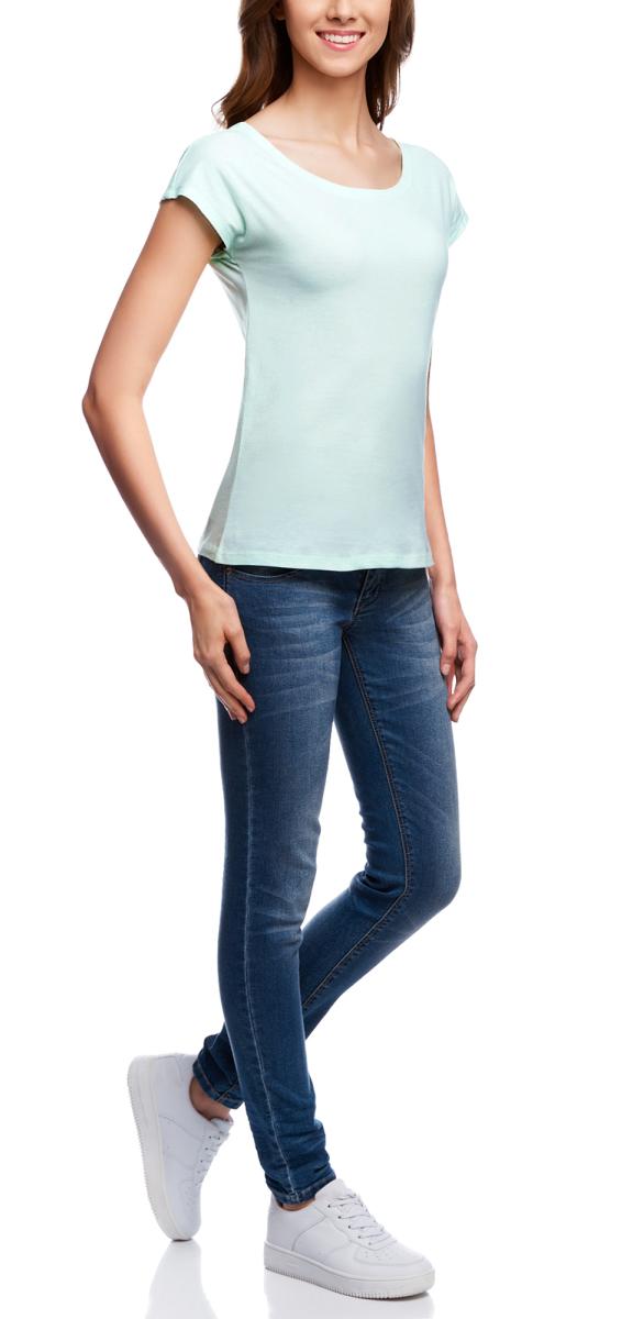 Футболка14702001/46158/7500NМодная женская футболка oodji Ultra изготовлена из натурального хлопка. Модель с круглым вырезом горловины и короткими цельнокроеными рукавами выполнена в лаконичном дизайне.