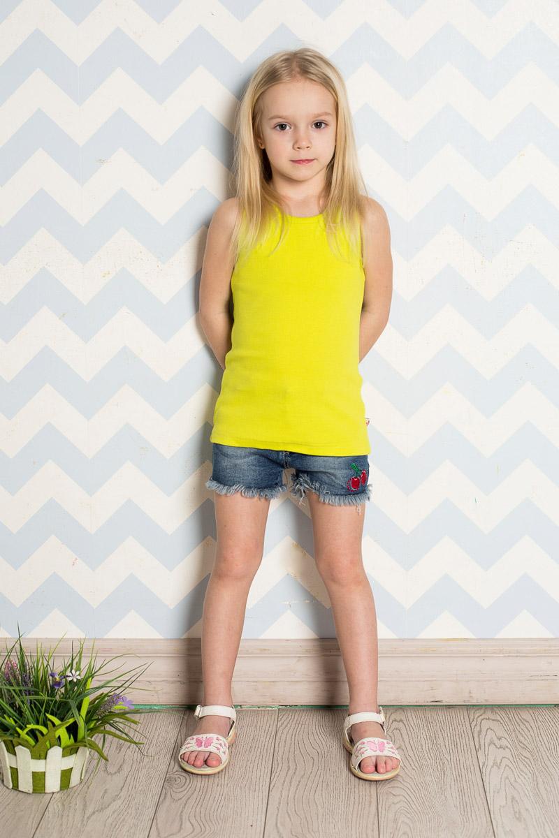 Шорты714175Стильные джинсовые шорты для девочки Sweet Berry выполнены из качественного хлопкового материала с эффектом потертостей и оформлены бахромой и яркой вышивкой. Шорты стандартной посадки на талии застегиваются на пуговицу и имеют ширинку на застежке-молнии. На поясе имеются шлевки для ремня. С внутренней стороны пояс дополнен вшитыми эластичными лентами, регулирующими посадку по талии. Модель имеет два втачных и один накладной кармашек спереди и два накладных кармана сзади.