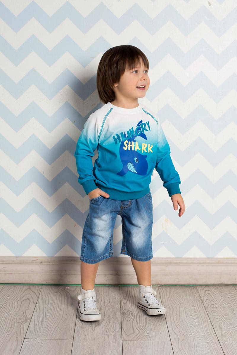 Шорты711040Стильные джинсовые шорты для мальчика Sweet Berry выполнены из натурального хлопка с эффектом потертости. Модель имеет пояс на мягкой резинке, дополнительно регулируемый шнурком. Изделие дополнено двумя прорезными карманами спереди и оформлено принтом с задней стороны.