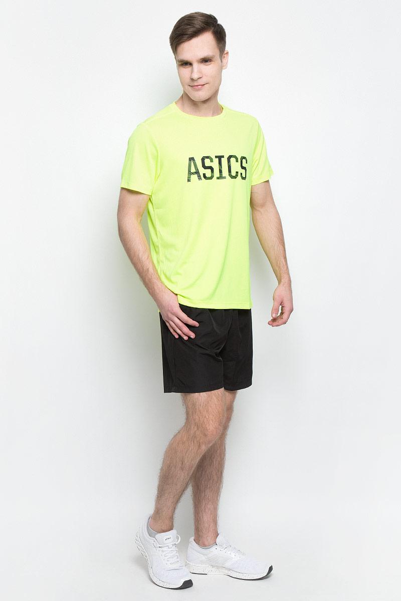 Футболка142879-0001Спортивная мужская футболка Asics Ss Graphic Tee, выполненная из высококачественного полиэстера, обладает высокой воздухопроницаемостью, а также превосходно отводит влагу от тела, оставляя кожу сухой даже во время интенсивных тренировок. Такая футболка великолепно подойдет как для повседневной носки, так и для спортивных занятий. Модель с короткими рукавами и круглым вырезом горловины оформлена крупным принтом с логотипом бренда на груди.