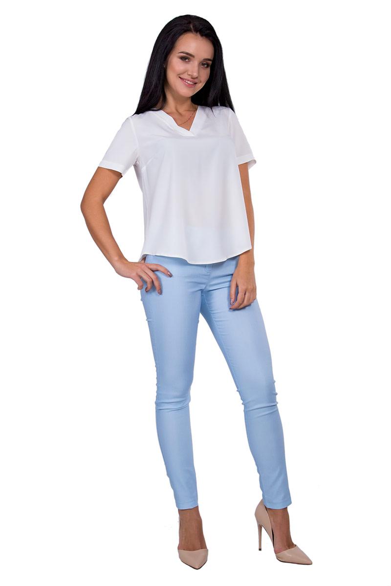 БлузкаП18-198Универсальная белая блуза трапецевидного силуэта с V - образным вырезом незаменима при составлении базового гардероба