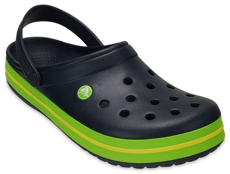 Сабо11016-100Модные сабо Crocband от Crocs придутся вам по душе. Верх модели выполнен из полимера Croslite с добавлением резины. Благодаря материалу Croslite обувь невероятно легкая, мягкая и удобная. Материал Croslite - бактериостатичен, препятствует появлению неприятных запахов и легок в уходе: быстро сохнет и не оставляет следов на любых поверхностях. Верх модели оформлен отверстиями, которые обеспечивают естественную вентиляцию, подошва - контрастными полосками и названием бренда. Под воздействием температуры тела обувь принимает форму стопы. Пяточный ремешок обеспечивает фиксацию стопы при ходьбе. Рельефная поверхность верхней части подошвы комфортна при движении. Рифленое основание подошвы гарантирует идеальное сцепление с любой поверхностью. Такие сабо - отличное решение для каждодневного использования! Уважаемые клиенты! Обращаем ваше внимание на то, что страной-изготовителем для некоторых размеров и цветов модели может быть Вьетнам.