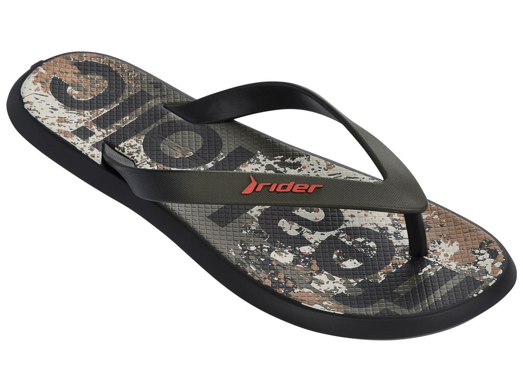 Сланцы82024-21555Стильные мужские сланцы Energy VI AD от Rider придутся вам по душе. Верх модели выполнен из поливинилхлорида. Ремешки с перемычкой гарантируют надежную фиксацию модели на ноге. Рифление на верхней поверхности подошвы предотвращает выскальзывание ноги. Основание подошвы дополнено рифлением.