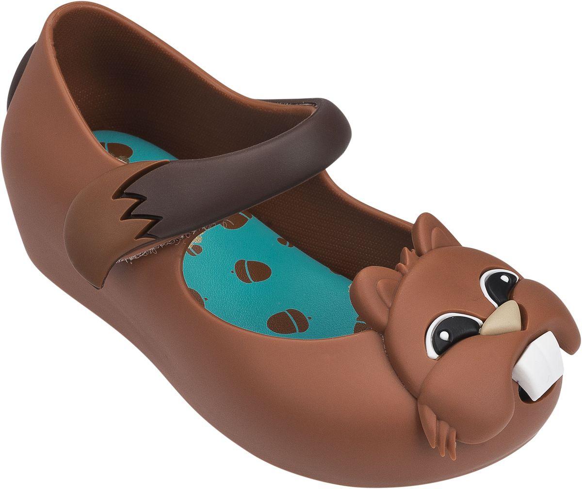 Туфли31889-1276Хит этого сезона от Mini Melissa Бурундучки. Чудесные, комфортные туфельки с мягкой стелькой, принимающей форму стопы Вашего ребенка. Застежка - липучка. Обувь Mini Melissa сделана из Melflex – инновационного полимера, который приспосабливается к форме стопы и дает ноге дышать, а также вкусно пахнет бабл гам и карамелью. Важно, что Melflex гипоаллергенен и почти полностью перерабатывается, не выделяя вредных веществ в атмосферу - эко-френдли (eco-friendly).