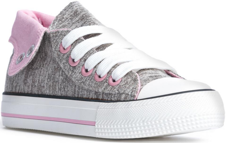 Кеды172241Стильные и комфортные кеды - превосходно подходят для ежедневных прогулок. Ботинки выполнены из хлопковой ткани, которая легко поддается чистке. Легкая подошва с рифлением обеспечивает оптимальный комфорт. Шнуровка надежно зафиксирует модель на ноге.