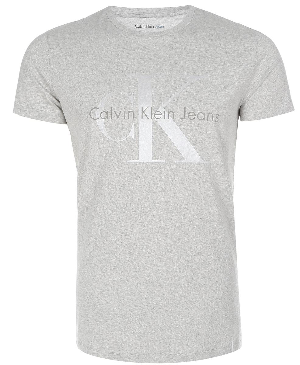ФутболкаJ30J304946_0380Мужская футболка Calvin Klein Jeans изготовлена из натурального хлопка. Модель выполнена с круглой горловиной и короткими рукавами. Футболка декорирована крупным принтом с названием бренда.