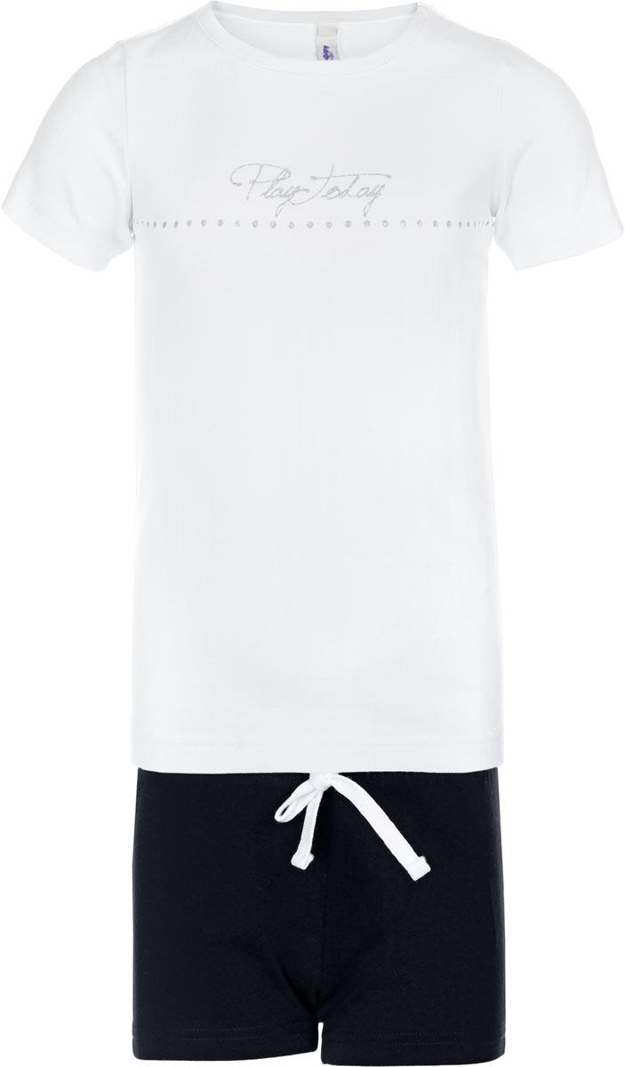 Комплект одежды369007Уютный хлопковый комплект для девочки, состоящий из футболки и шорт, подойдет для отдыха и занятий спортом. Футболка с круглым вырезом горловины и короткими рукавами оформлена сверкащим глиттерным принтом. Воротник дополнен эластичной бейкой. Пояс шорт на резинке дополнительно регулируется широким контрастным шнурком. Свободный крой не сковывает движений ребенка.