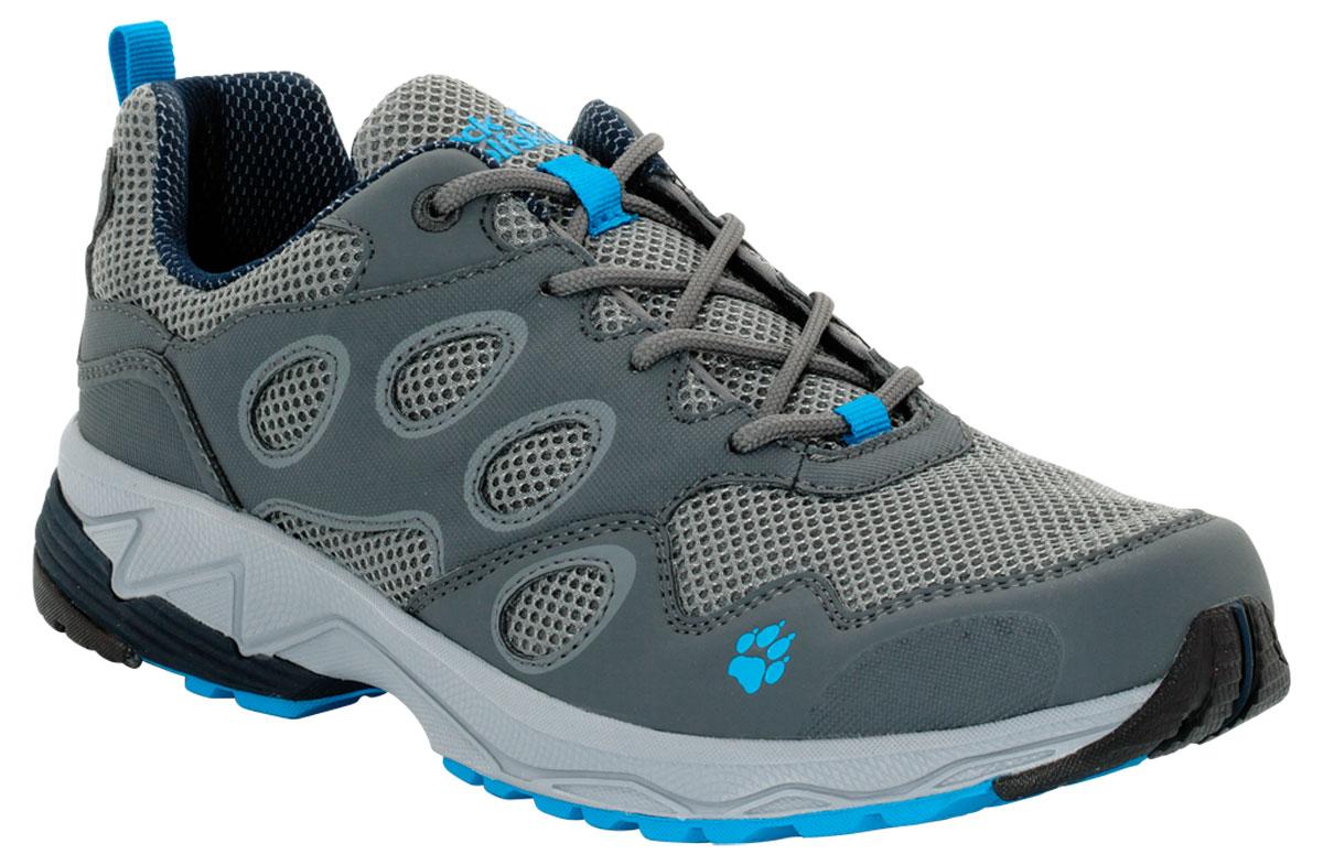 Кроссовки4018751-1651Очень легкая обувь для бега по пересеченной местности умеренной сложности. VENTURE FLY LOW сочетает в себе малый вес и хорошую фиксацию. Голенище из сетчатого материала стабилизируется каркасом из искусственной кожи. Благодаря такому сочетанию материалов обувь не требует специального ухода. Хорошие характеристики переката во время бега гарантирует вам легкая и гибкая подошва WOLF TRAIL.