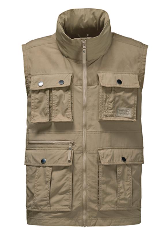 Жилет1304481-5605Жилет мужской Atacama Vest отлично подойдет для путешествий и ежедневной носки. Основная часть жилета выполнена из ткани SUPPLEX (100% полиамид). Это легкая, мягкая и быстро сохнущая ткань, которая, кроме всего прочего, обладает высокой защитой от ультрафиолета (UPF 40+). Плечи жилета усилены материалом FUNCTION 65 WAX (полиэстер с добавлением хлопка). Эта ткань обладает защитой от ветра, воды, она гладкая и приятная на ощупь. Модель застегивается на молнию. Спереди расположены 4 накладных объемных кармана с клапаном на кнопке, 2 боковых вшитых кармана и вшитый карман на молнии. Изделие имеет воротник-стойку и капюшон, который можно спрятать. Жилет невероятно компактный и легкий, он не займет много места у вас в рюкзаке.