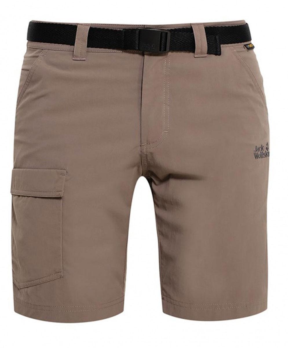 Шорты1503781-5116Очень прочные треккинговые шорты Hoggar Shorts готовы к любым испытаниям. Они изготовлены из легкой дышащей ткани, которая не только позволяет коже дышать, но и защищает от УФ-излучения. Таким образом, вы будете чувствовать себя комфортно на протяжении всего дня. Модель застегивается на ширинку с молнией и пуговицу в поясе. Модель дополнена текстильным ремнем. На поясе предусмотрены шлевки. Шорты имеют два втачных кармана спереди, два накладных кармана сзади и один накладной карман сбоку. Такая модель идеально подходит для туризма и путешествий.