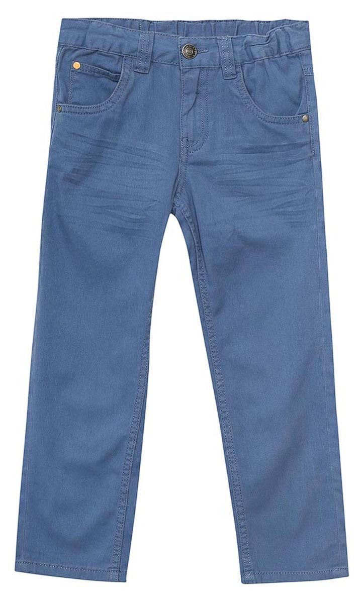 БрюкиP-715/096-7112Стильные брюки для мальчика Sela, выполненные из натурального хлопка с имитацией джинсы, станут отличным дополнением к гардеробу вашего ребенка. Брюки прямого кроя и стандартной посадки на талии застегиваются на пуговицу и имеют ширинку на застежке-молнии. На поясе имеются шлевки для ремня. Модель представляет собой классическую пятикарманку: два втачных и один маленький накладной кармашек спереди и два накладных кармана сзади.