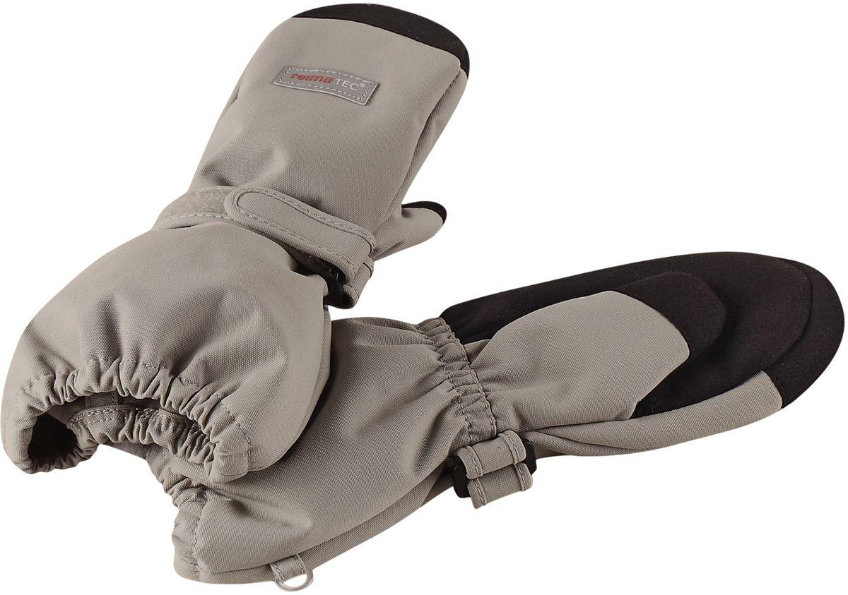 Варежки детские5272620740Варежки Reima - гарантия качества и функциональности! Эти демисезонные варежки для малышей и детей постарше благодаря своим супер-характеристикам: они абсолютно водо- и ветронепроницаемые, но при этом дышащие. Теплая флисовая подкладка и усиления на ладонях, кончиках пальцев и на большом пальце гарантируют, что ваш ребенок сможет весело и активно гулять на свежем воздухе в любую погоду. Носить эти удобные и эластичные варежки - одно удовольствие. Зимой под них можно поддеть теплые варежки, и никакой мороз вам не страшен.