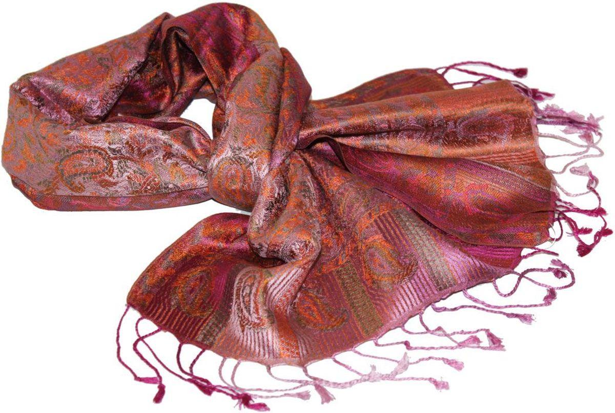 Шарф081370аЖенский шарф Ethnica, изготовленный из 100% шелка, подчеркнет вашу индивидуальность. Благодаря своему составу, он легкий, мягкий и приятный на ощупь. Изделие декорировано оригинальным этническим узором и дополнено кисточками. Такой аксессуар станет стильным дополнением к гардеробу современной женщины.