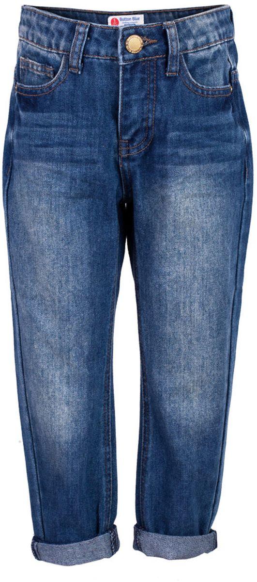 Джинсы117BBGC6303D200Классные джинсы с потертостями и повреждениями — гарантия модного современного образа! Хороший крой, удобная посадка на фигуре подарят девочке комфорт и свободу движений. Если вы хотите купить ребенку недорогие джинсы силуэта бойфренд, модель от Button Blue - прекрасный выбор!