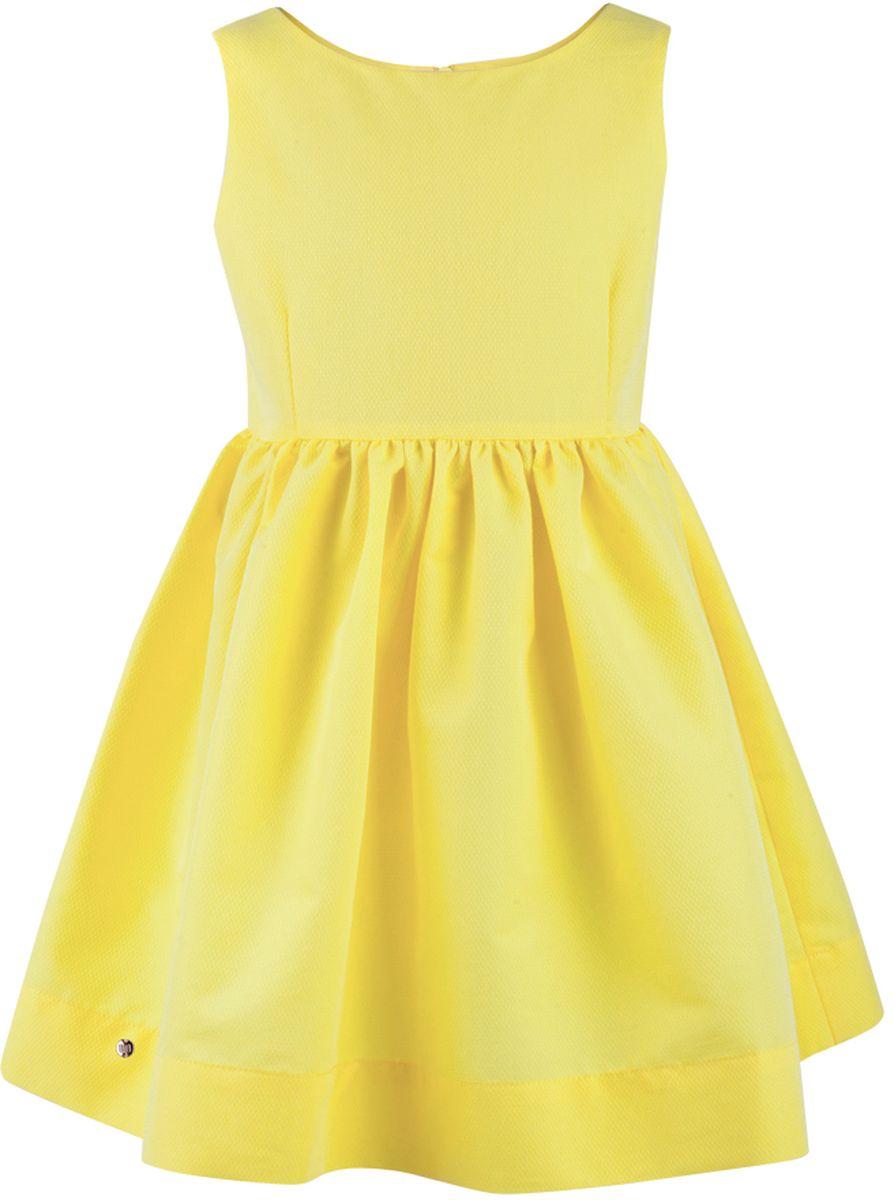 Платье117BBGC25022700Прекрасный летний вариант - яркое текстильное платье на тонкой хлопковой подкладке. Модный силуэт, комфортная форма делают платье для девочки отличным решением для каждого дня лета. Если вы хотите приобрести одновременно и красивую, и практичную, и удобную вещь, вам стоит купить детское платье от Button Blue. Низкая цена не окажет влияния на бюджет семьи, позволив создать интересный базовый гардероб для долгожданных каникул!